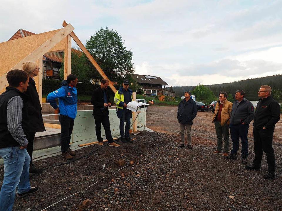 Ortstermin: Baustellenbesichtigung am neuen Gemeindebauhof    Foto: Susanne Gilg