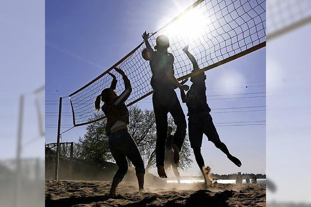 Die Volleyballer haben ihre Beach weiter in Huttingen