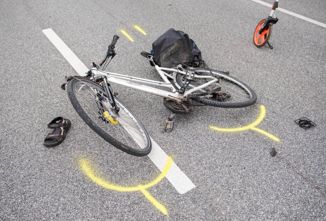 Ein 63 Jahre alter Autofahrer übersah die junge Radfahrerin. (Symbolbild)  | Foto: dpa