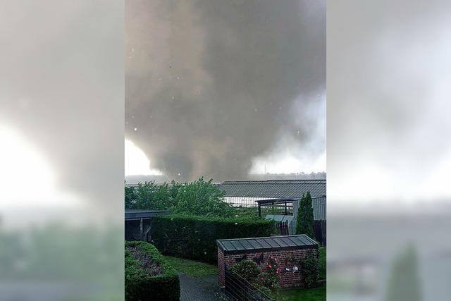 Ein Tornado wütet am Niederrhein