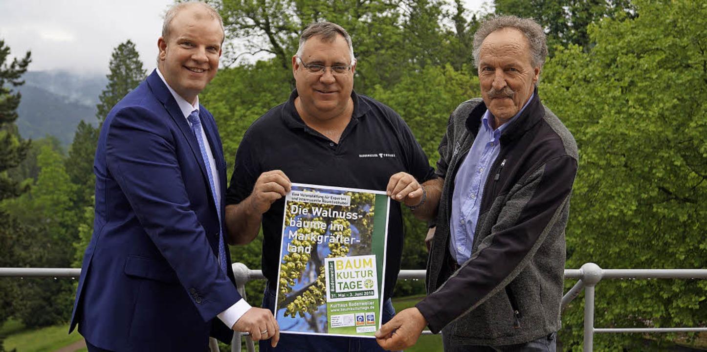 BTT-Geschäftsführer Alexander Horr, Ku...links) werben für die Baumkulturtage.     Foto: Silke Hartenstein