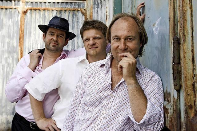 Jazz-Trio Saudade spielen brasilianischem Bossa Nova