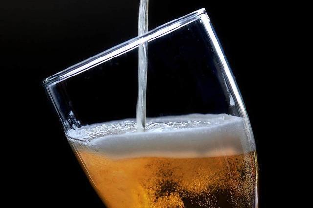 Wütender Wirtshausbesucher schlägt Scheibe ein – weil er kein Bier mehr bekam