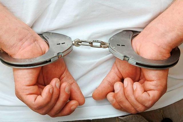 Drei weitere Jugendliche sitzen nach Angriff auf Rettungskräfte in Haft