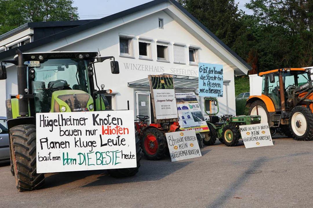 Klare Ansage: Mit Protestplakaten best...n mit Teilen der Bahnplanung deutlich.  | Foto: Alexander Huber