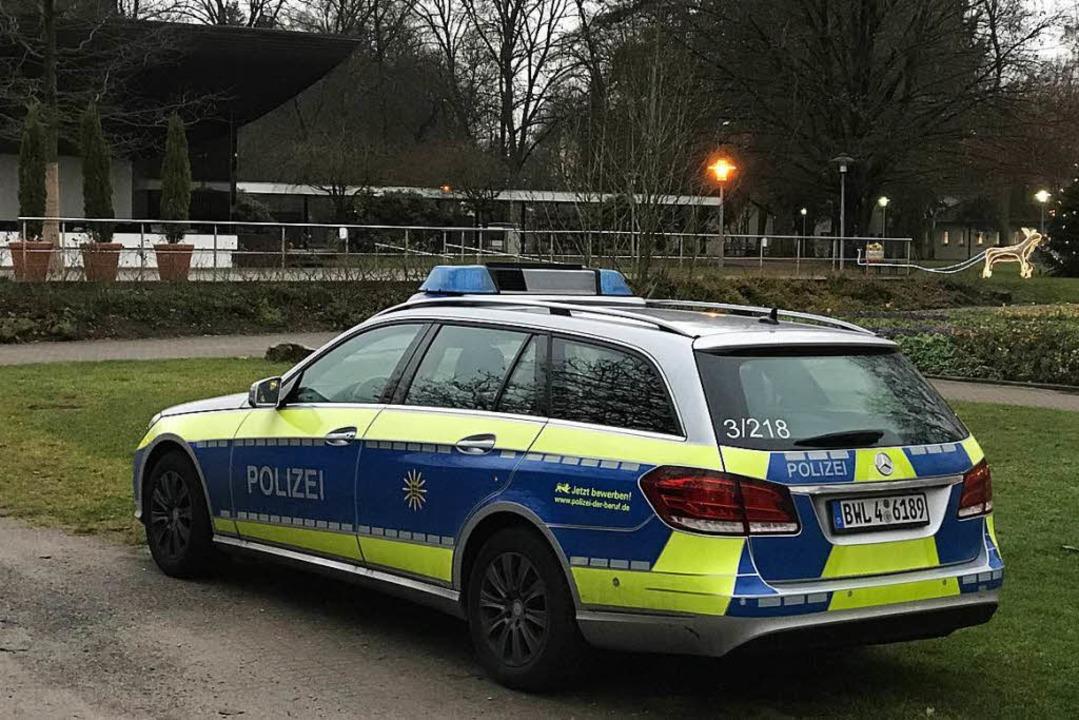 Nach den Vorfällen war die Polizei verstärkt im Kurpark im Einsatz.  | Foto: Hans-Peter Müller