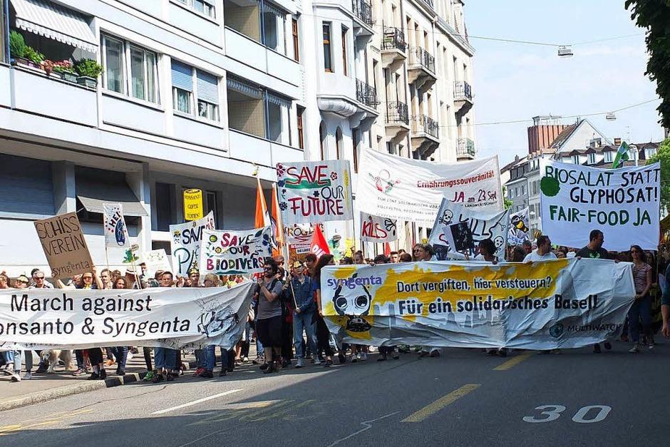 Proteste gegen Monsanto und Syngenta in Basel (Foto: Martina David-Wenk)