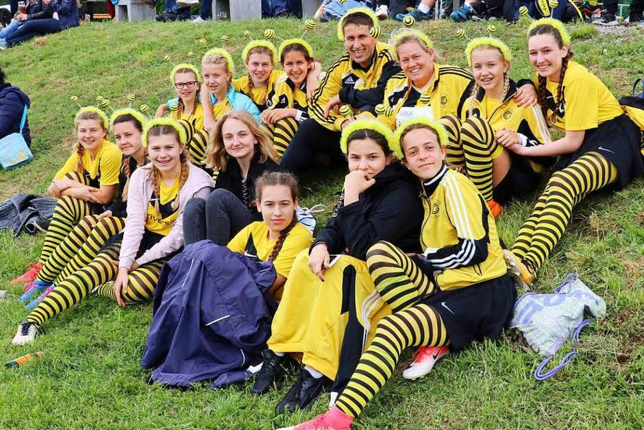 Gute Stimmung herrschte beim Pfingstturnier des SV Grafenhausen – bei den Mannschaften und beim Publikum. (Foto: Dorothée Kuhlmann)