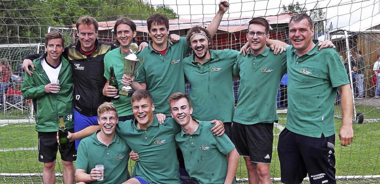 Die Mannschaft Holzhaus Bonndorf ging ... FC Haudaneben aus Blumegg vom Platz.   | Foto: Gertrud Rittner