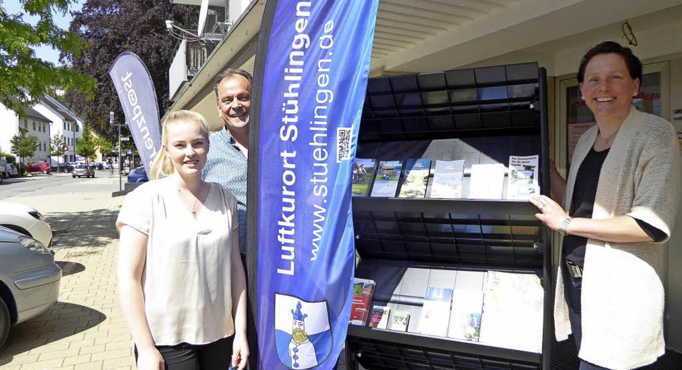 Das Trio der Versicherungsagentur ist ... Reinhard Schmitt und Stefanie Wißler.    Foto: Edelgard Bernauer
