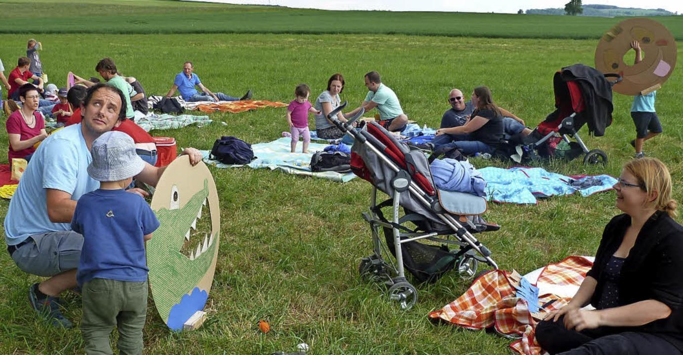 <BZ-FotoAnlauf>Kindergartenfest: </BZ-...r zusammen mit ihren Eltern austoben.     Foto: Privat