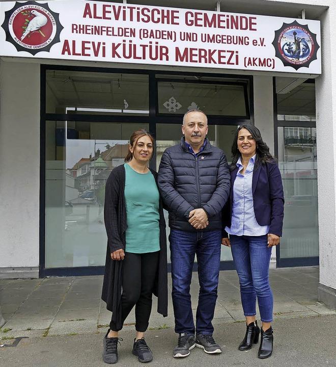 Gülten Uzunova, Ali Polat und Ehefrau Güner Polat (v.l.)   | Foto: Elena Borchers