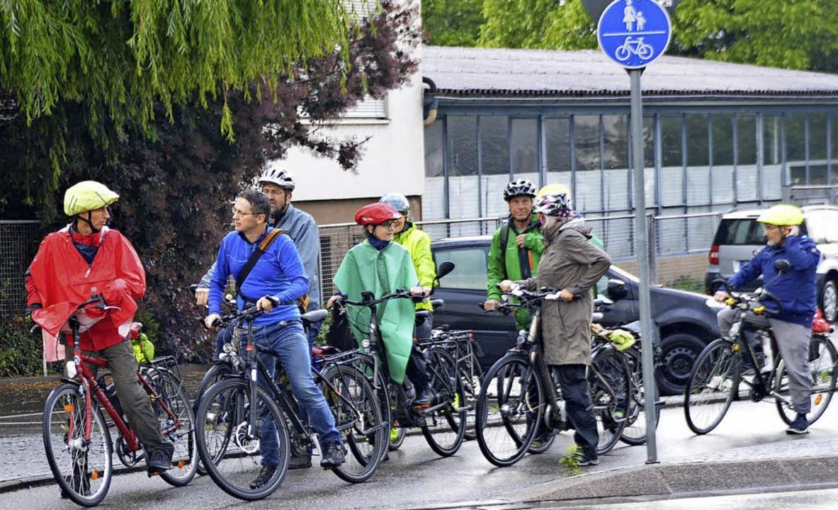 Die IG Velo testet verschiedene Radwege in der Gemeinde.   | Foto: Horatio Gollin