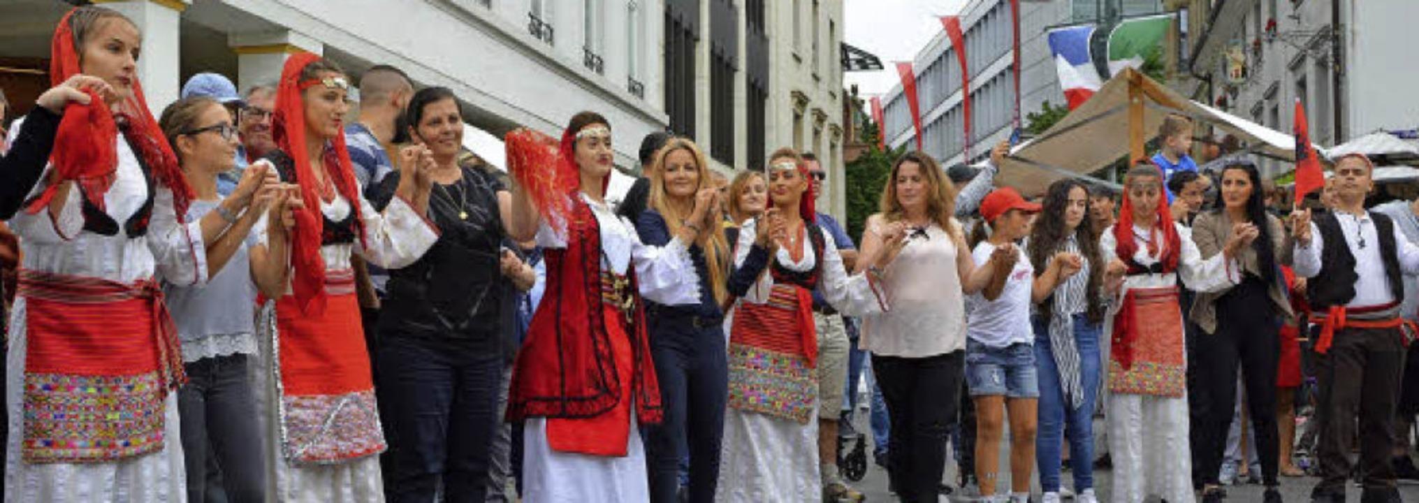 Das Miteinander verschiedener Kulturen...im Internationalen Sommerfest gelebt.   | Foto: Barbara Ruda