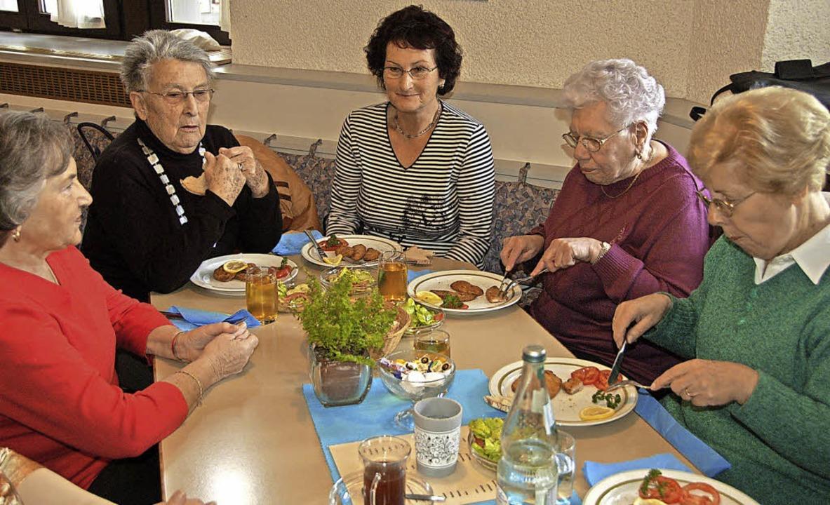 Mittagstische sind bei Senioren beliebt.    Foto: Symbolbild: Daniela Krasa-Meyer
