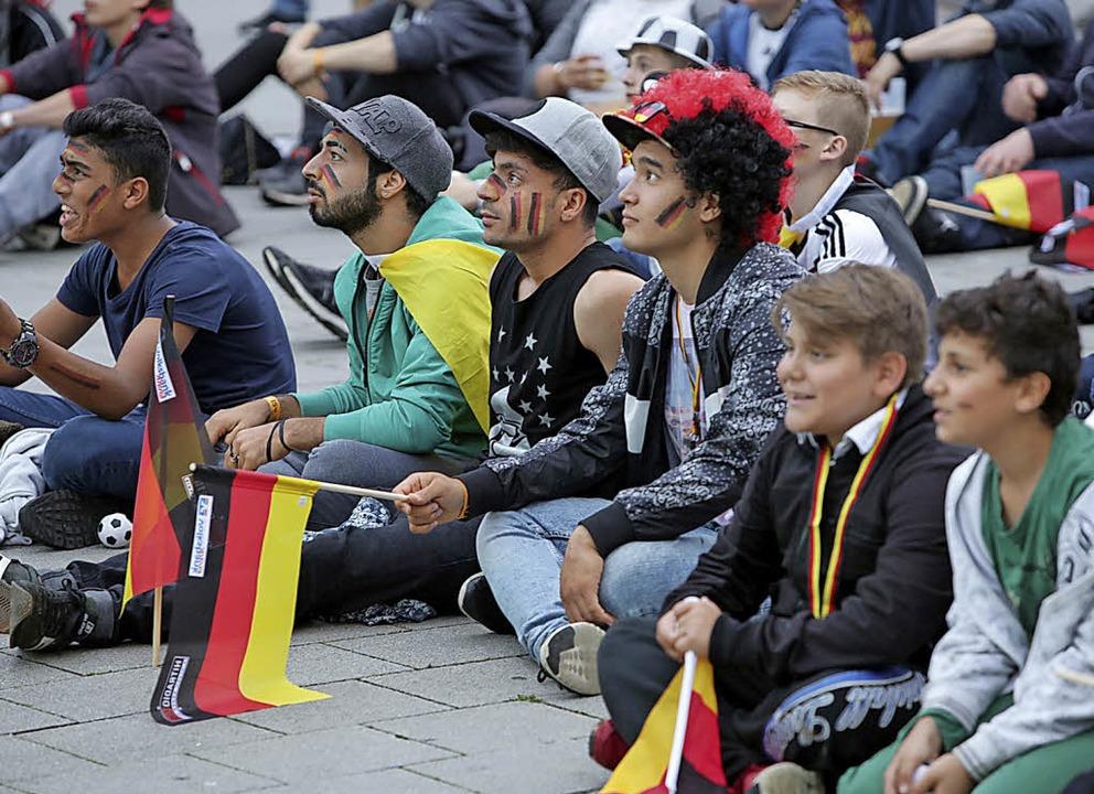 Vor zwei Jahren konnten Fußballfans di...ieses Jahr ist das nicht mehr möglich.  | Foto: Christoph Breithaupt