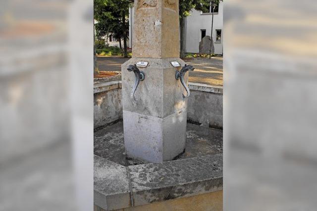 RATSNOTIZEN: Der Brunnen wird gerichtet