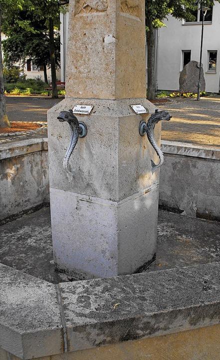 Bald soll der Brunnen wieder Wasser enthalten.  | Foto: Susanne Müller