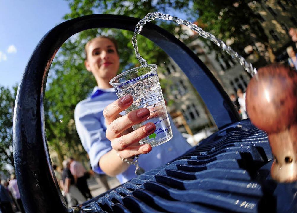 Sauberes Trinkwasser ist ein hohes Gut...einige Kritiker nicht nachvollziehen.   | Foto: Symbolfoto:dpa