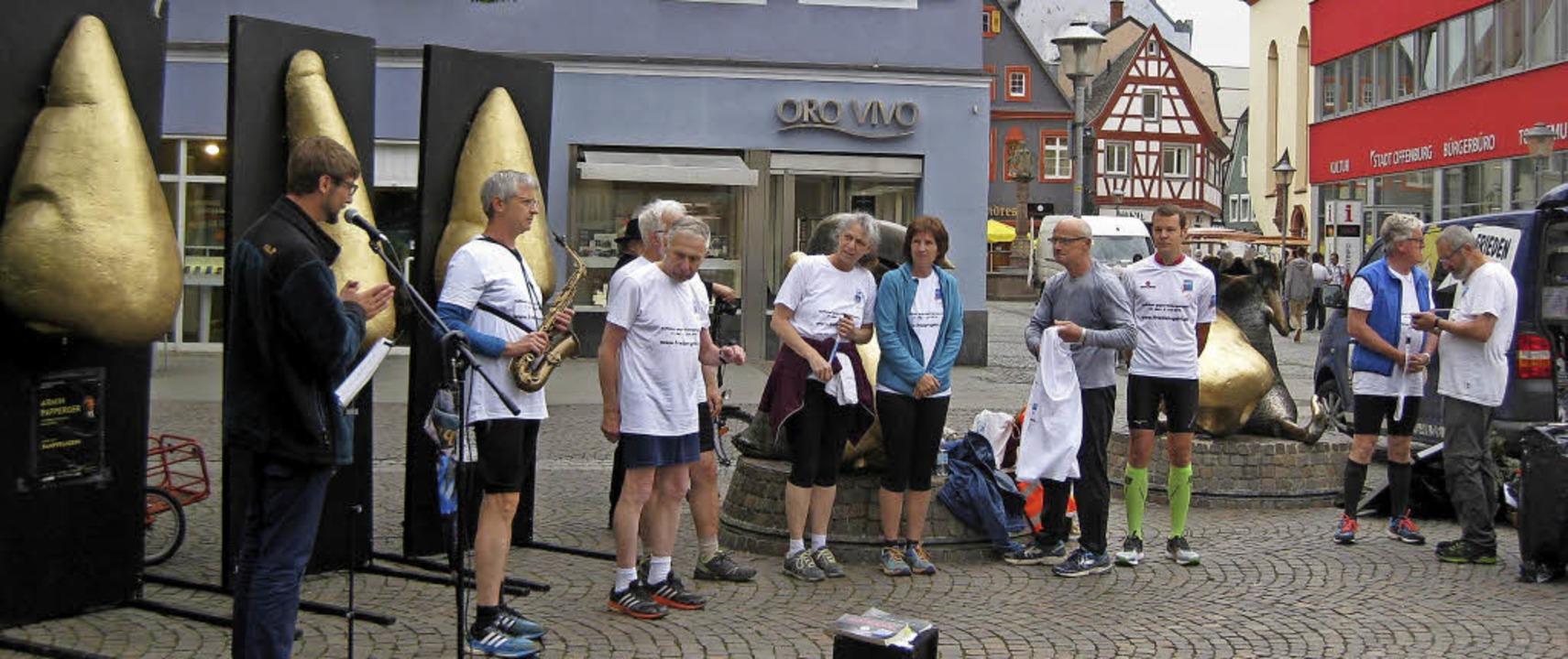 Mit tödlichen Waffen lässt sich eine g...porte protestieren, wie in Offenburg.   | Foto: Privat