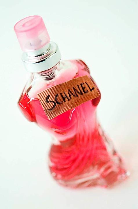 So offensichtlich ist nicht jede Parfüm-Fälschung.  | Foto: dpa-tmn