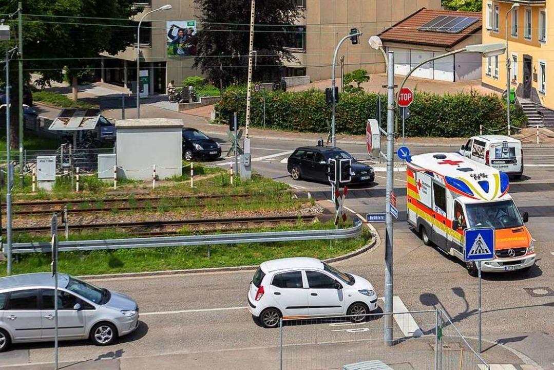 An den S-Bahnübergängen (das Foto zeig...rsträger unter einen Hut zu bekommen.     Foto: Jonas Schwarzwälder