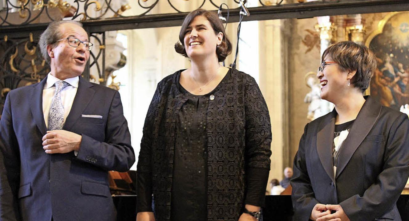 Johannes Götz, Karin Karle (Mitte) und...ums in der Barockkirche in St. Peter.   | Foto: Erich Krieger
