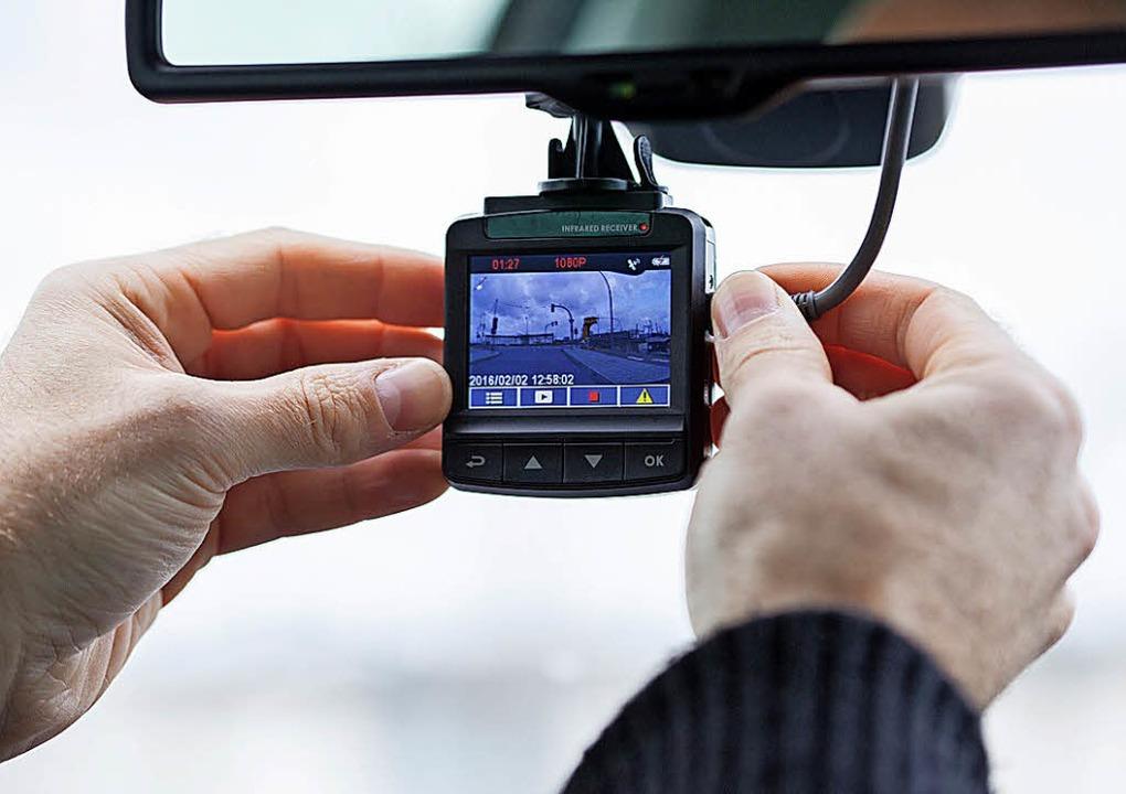 Filmende Minikameras an Bord können Au...fen, Beweise bei Unfällen zu sichern.   | Foto: Christin Klose/dpa