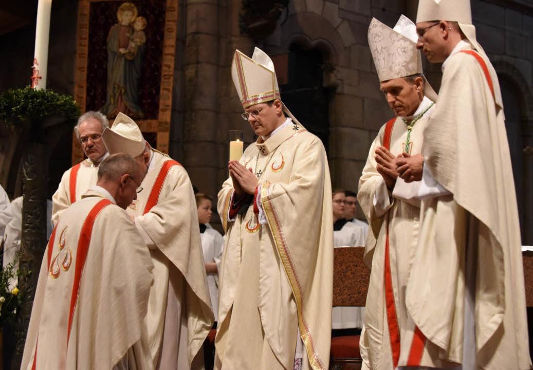 Die Bischofsweihe von Weihbischof Pete... Angebot wurde nun vorerst ausgesetzt.  | Foto: Rita Eggstein