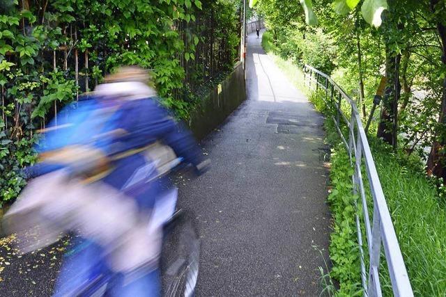 Polizei sucht Radfahrer, der nach Zusammenstoß flüchtete