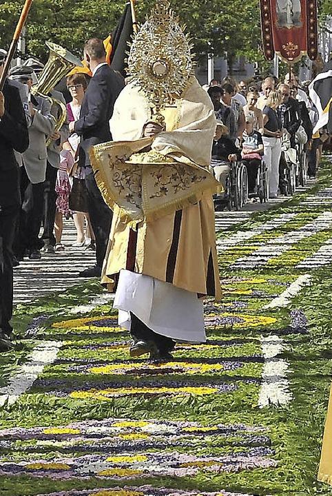 An Fronleichnam wird in Hüfingen wieder ein großer Blumenteppich gelegt.     Foto: Roland Sigwart