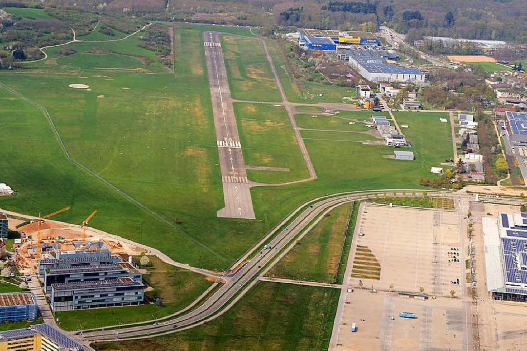 Der neue Vorschlag will das Stadion re...ebahn platzieren. Foto: Patrick Seeger  | Foto: Patrick Seeger