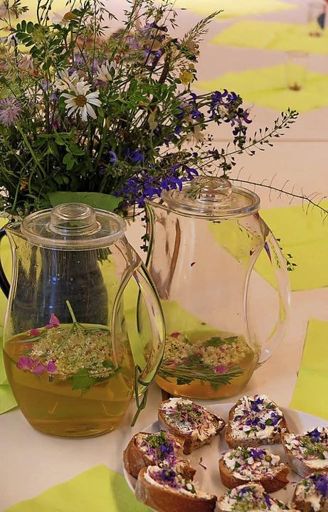 Wiesenblumen, Bowle, Brotbelag:  ein feines Aroma nach Natur.    Foto: Beatrice Ehrlich