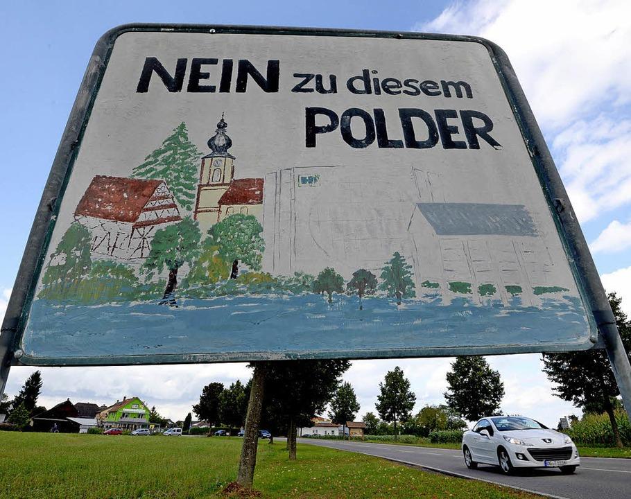 Wie hier bei Schwanau, so werden auch ...egen einen geplanten Polder erwartet.   | Foto: Seeger/dpa