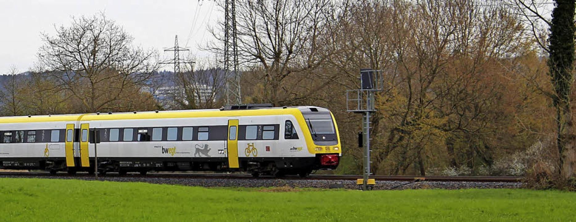 Mit den neuen, alten  Zügen auf der Ho... viele Fahrgäste nicht einverstanden.     Foto: Rolf Reißmann