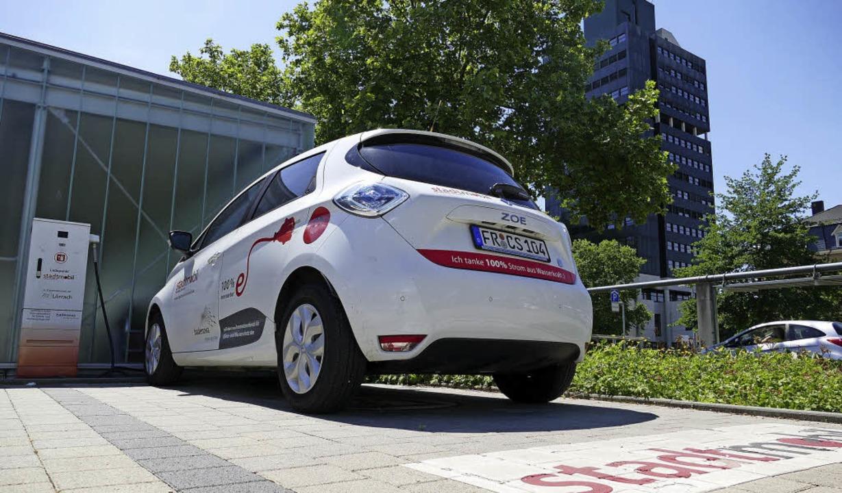 Ladestation für E-Autos an der Velohal...igt sich an diesem Carsharing-Angebot.  | Foto: Peter Gerigk