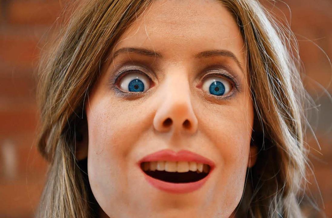 Roboterfrau Elenoide kann erstaunt gucken...  | Foto: dpa