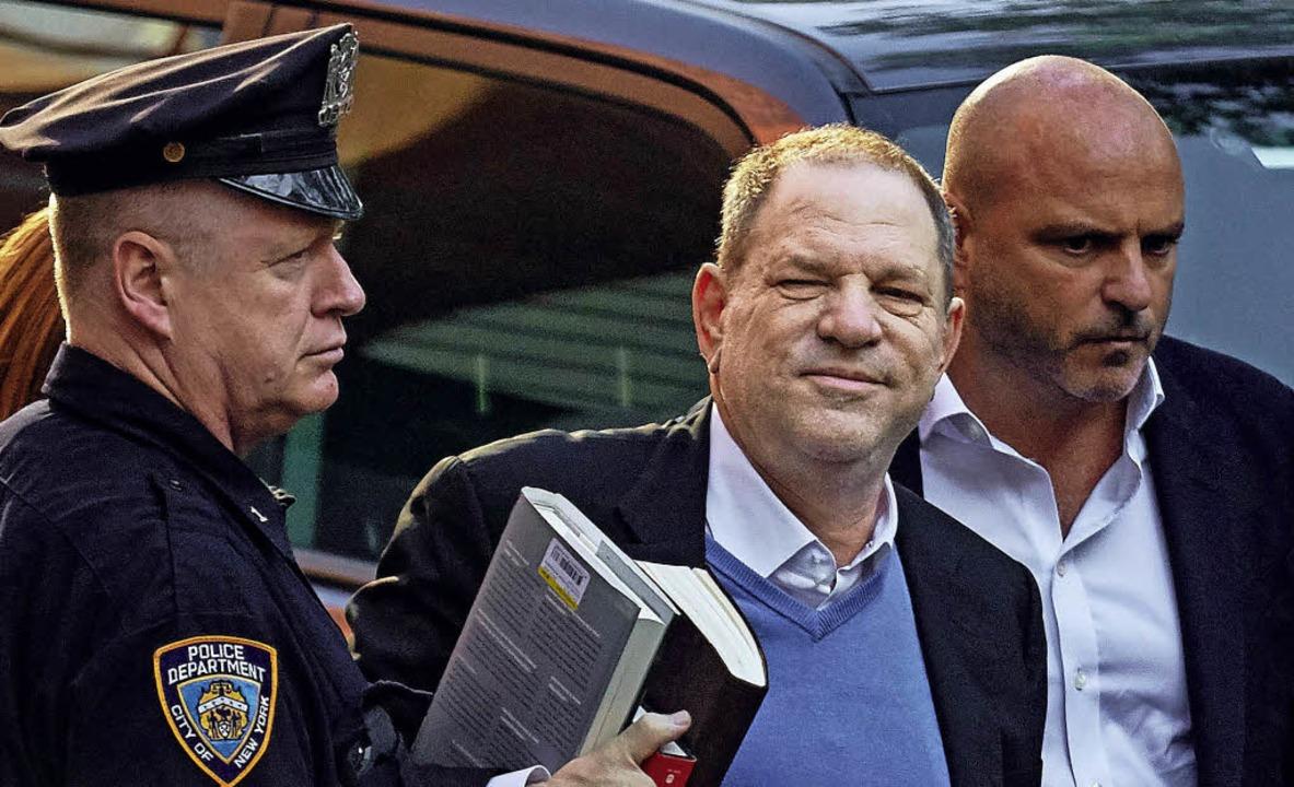 Seine Reise- und Bewegungsfreiheit ist...kt: US-Filmproduzent Harvey Weinstein     Foto: dpa