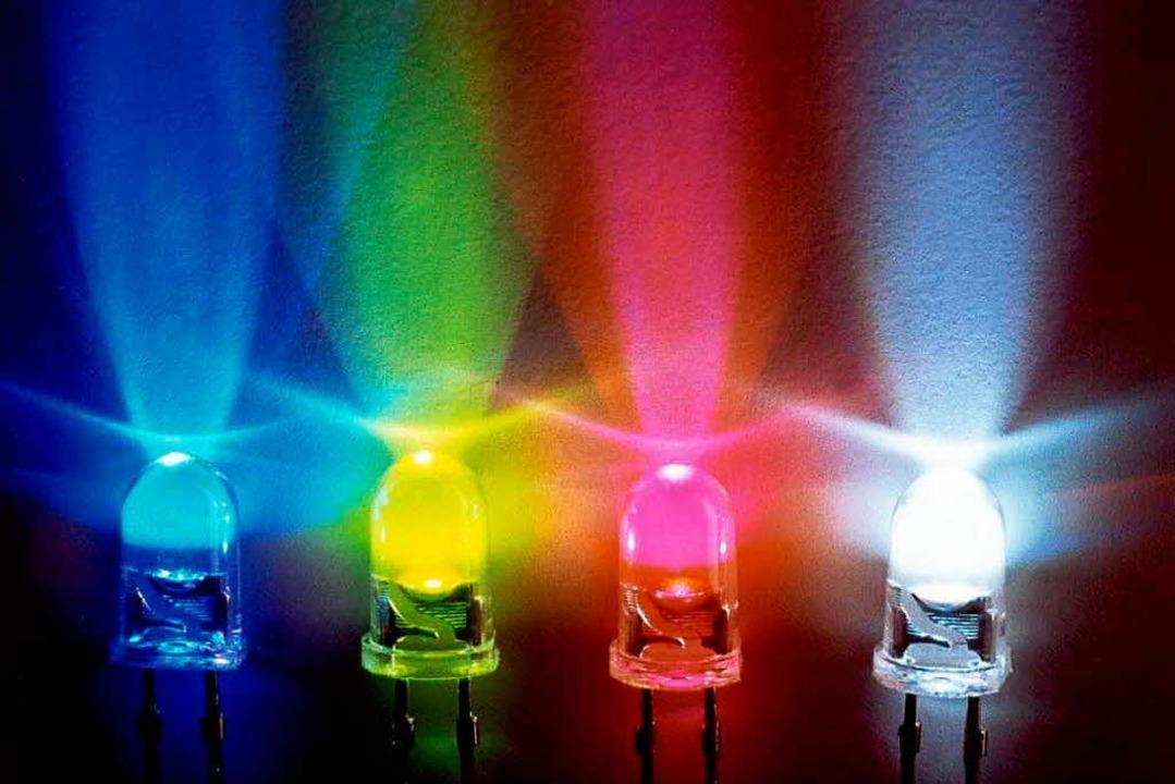 Die LED haben einen hohen Anteil an bl...r die Augen langfristig schädlich ist.  | Foto: Fraunhofer-Institut