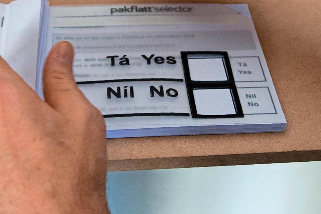 Den Nachwahlbefragungen zufolge stimmt... über 65 Jahren mehrheitlich mit nein.    Foto: AFP