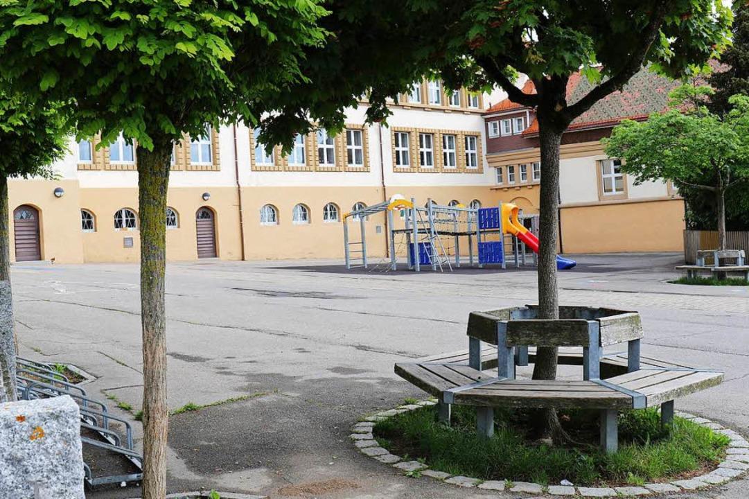 Nicht mehr geschützt genug sind Schulh... Schüler dorthin transportiert werden.  | Foto: Gudrun Deinzer