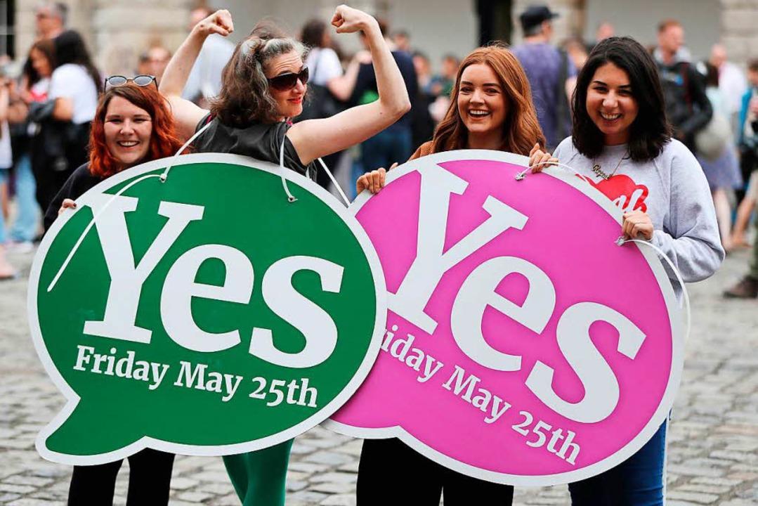 Irland, Dublin: Viele Menschen haben s...ten Abtreibungsverbots in seinem Land.    Foto: dpa