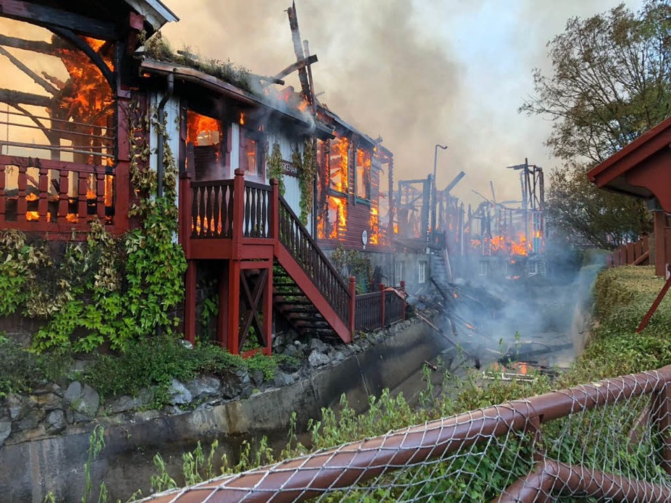 Foto eines Parkbesuchers: Lodernde Flammen im skandinavischen Themenbereich.  | Foto: Mario Kuhn