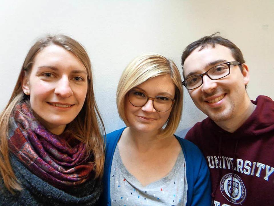 Streben das Pfarramt an: Leonie Fränkle, Salome Lang und Stefan Aderhold    Foto: Annemarie Rösch