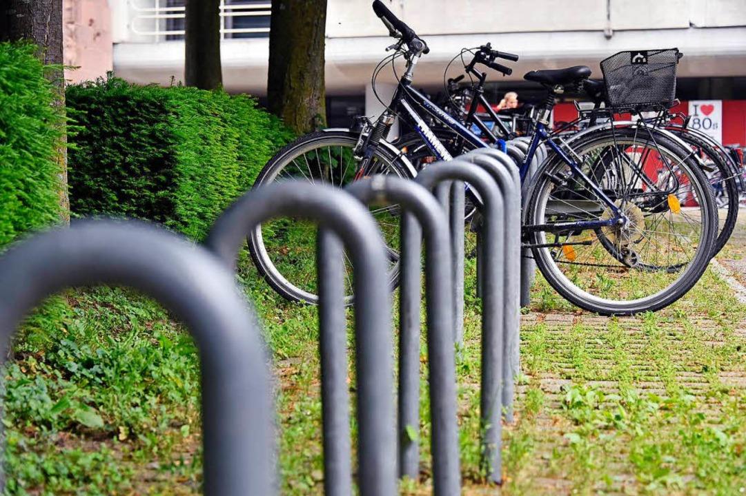Freie Auswahl für Fahrradbügelsucher.    Foto: Michael Bamberger