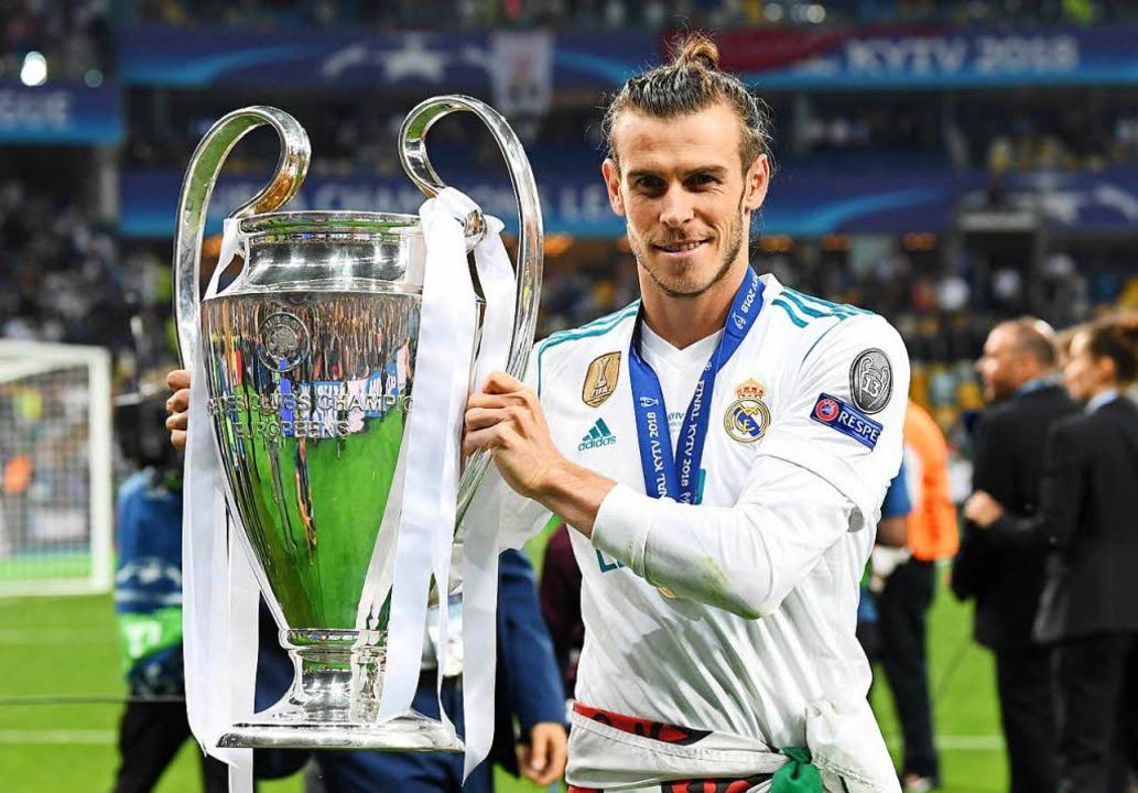 Matchwinner Gareth Bale mit dem Henkel... der Waliser in Madrid dennoch nicht.   | Foto: dpa