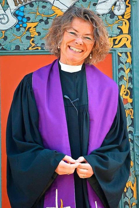 Anette Metz ist Pfarrerin  der evangelischen Kirche in Lörrach-Brombach.    Foto: Barbara Ruda
