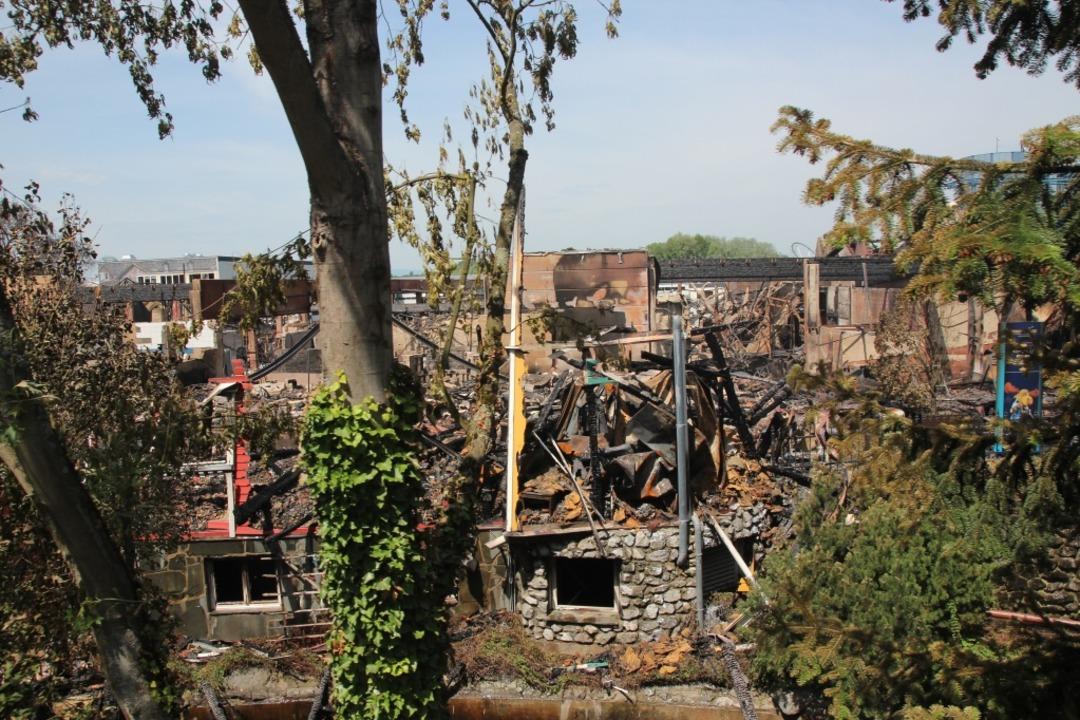 So Haben Feuerwehrmänner Aus Rust Und Herbolzheim Den Brand Im