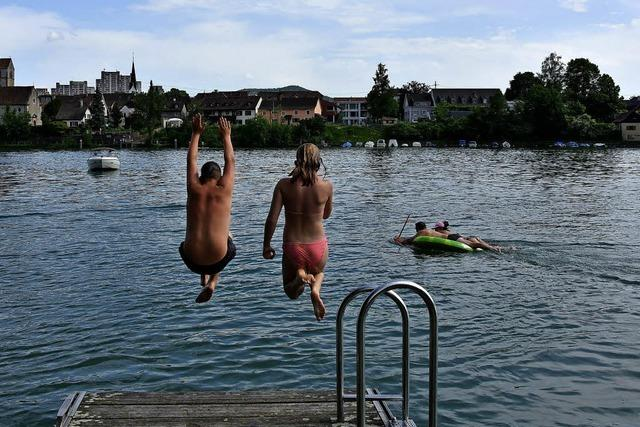 Der Rhein lockt bei sommerlicher Hitze