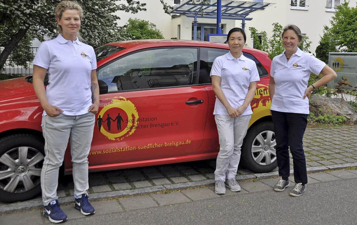 Die fertigen Pflegerinnen starten in d... Nothel, Min Zeng und Gabriele Engist   | Foto: R. Ruther